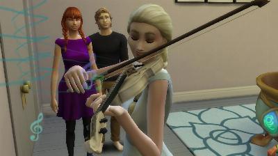 53 Ellie spielt Annie und Kristoff vor.jpg
