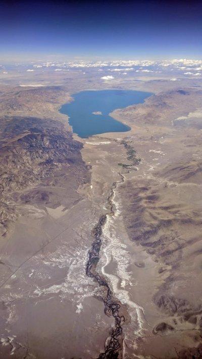 Pyramid_Lake_and_Truckee_River.jpg